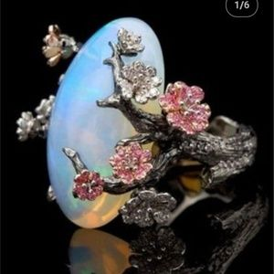 New Women's Vintage Opal Flower Silver Ring